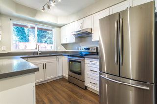 "Photo 2: 10 20985 CAMWOOD Avenue in Maple Ridge: Southwest Maple Ridge Townhouse for sale in ""Maple Court"" : MLS®# R2478985"