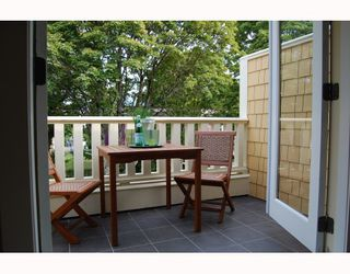 """Photo 7: 110 W 13TH Avenue in Vancouver: Mount Pleasant VW Townhouse for sale in """"MOUNT PLEASANT WEST"""" (Vancouver West)  : MLS®# V785699"""