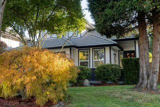 """Photo 2: 16866 60A Avenue in Surrey: Cloverdale BC House for sale in """"Parkview Terrace"""" (Cloverdale)  : MLS®# R2515291"""