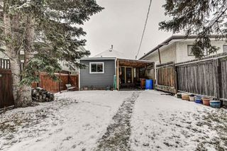 Photo 4: 120 15 Street NW in Calgary: Hillhurst Detached for sale : MLS®# A1050492