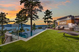 Photo 2: 5385 KEW CLIFF Road in West Vancouver: Caulfeild House for sale : MLS®# R2520276