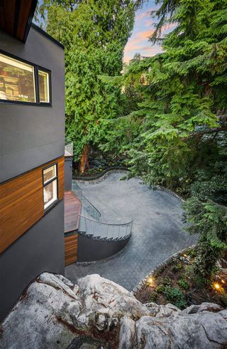 Photo 10: 5385 KEW CLIFF Road in West Vancouver: Caulfeild House for sale : MLS®# R2520276