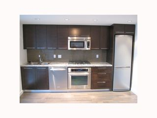 """Photo 2: 2201 918 COOPERAGE Way in Vancouver: False Creek North Condo for sale in """"THE MARINER"""" (Vancouver West)  : MLS®# V816816"""