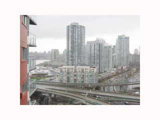 """Photo 6: 2201 918 COOPERAGE Way in Vancouver: False Creek North Condo for sale in """"THE MARINER"""" (Vancouver West)  : MLS®# V816816"""