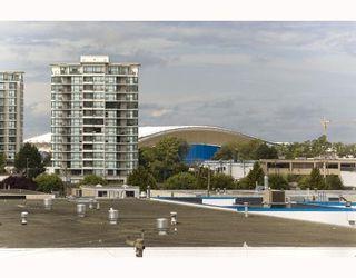 """Photo 9: 703 5811 NO 3 Road in Richmond: Brighouse Condo for sale in """"ACQUA"""" : MLS®# V728342"""