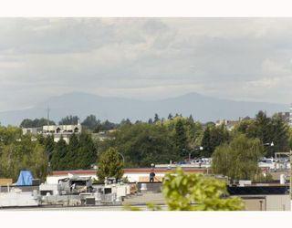 """Photo 8: 703 5811 NO 3 Road in Richmond: Brighouse Condo for sale in """"ACQUA"""" : MLS®# V728342"""