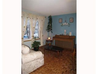 Photo 3: 78 GAINSBOROUGH Cove in WINNIPEG: Maples / Tyndall Park Residential for sale (North West Winnipeg)  : MLS®# 2900776
