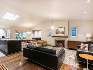 """Photo 2: 4085 W 39TH Avenue in Vancouver: Dunbar House for sale in """"DUNBAR"""" (Vancouver West)  : MLS®# R2402700"""