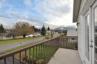 Photo 2: 7205 ROCHESTER Avenue in Sardis: Sardis West Vedder Rd House for sale : MLS®# R2424274