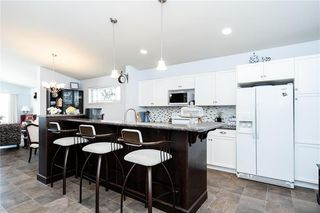 Photo 9: 147 Bridgeland Drive North in Winnipeg: Bridgwater Forest Residential for sale (1R)  : MLS®# 202003788