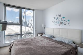 """Photo 11: 1902 111 W GEORGIA Street in Vancouver: Downtown VW Condo for sale in """"Spectrum 1"""" (Vancouver West)  : MLS®# R2467192"""