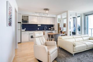 """Photo 8: 1902 111 W GEORGIA Street in Vancouver: Downtown VW Condo for sale in """"Spectrum 1"""" (Vancouver West)  : MLS®# R2467192"""