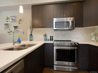 Photo 7: 1020 Grob Crt in : La Westhills Row/Townhouse for sale (Langford)  : MLS®# 852442