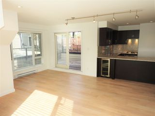 """Photo 5: 304 1880 W 57TH Avenue in Vancouver: South Granville Condo for sale in """"SHANNON STATION"""" (Vancouver West)  : MLS®# R2508801"""