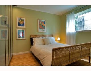 "Photo 1: 2 1075 W 13TH Avenue in Vancouver: Fairview VW Condo for sale in ""MARIE COURT"" (Vancouver West)  : MLS®# V800482"