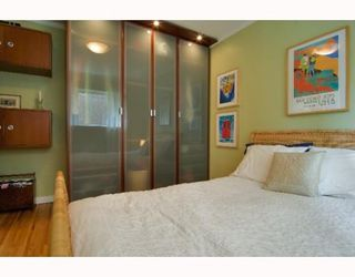 "Photo 5: 2 1075 W 13TH Avenue in Vancouver: Fairview VW Condo for sale in ""MARIE COURT"" (Vancouver West)  : MLS®# V800482"