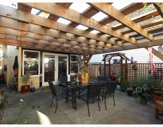 """Photo 10: 408 E 2ND Street in North Vancouver: Lower Lonsdale House for sale in """"THE JONES RESIDENCE"""" : MLS®# V806455"""