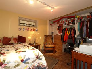 """Photo 24: 408 E 2ND Street in North Vancouver: Lower Lonsdale House for sale in """"THE JONES RESIDENCE"""" : MLS®# V806455"""