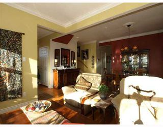 """Photo 13: 408 E 2ND Street in North Vancouver: Lower Lonsdale House for sale in """"THE JONES RESIDENCE"""" : MLS®# V806455"""