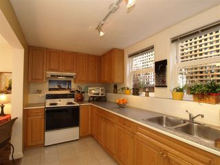 """Photo 21: 408 E 2ND Street in North Vancouver: Lower Lonsdale House for sale in """"THE JONES RESIDENCE"""" : MLS®# V806455"""