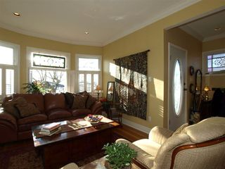 """Photo 14: 408 E 2ND Street in North Vancouver: Lower Lonsdale House for sale in """"THE JONES RESIDENCE"""" : MLS®# V806455"""