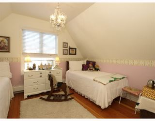 """Photo 17: 408 E 2ND Street in North Vancouver: Lower Lonsdale House for sale in """"THE JONES RESIDENCE"""" : MLS®# V806455"""