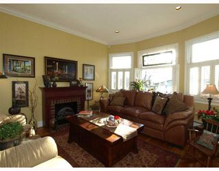"""Photo 12: 408 E 2ND Street in North Vancouver: Lower Lonsdale House for sale in """"THE JONES RESIDENCE"""" : MLS®# V806455"""