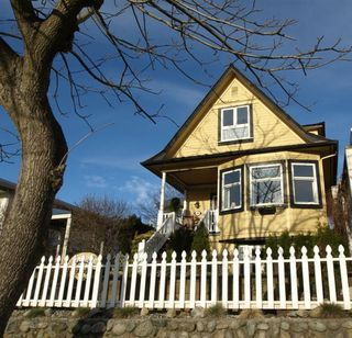 """Photo 26: 408 E 2ND Street in North Vancouver: Lower Lonsdale House for sale in """"THE JONES RESIDENCE"""" : MLS®# V806455"""