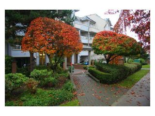 "Photo 1: 107 7326 ANTRIM Avenue in Burnaby: Metrotown Condo for sale in ""SOVEREIGN MANOR"" (Burnaby South)  : MLS®# V857785"