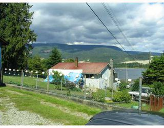 Photo 3: 5884 SPRAY Street in Sechelt: Sechelt District House for sale (Sunshine Coast)  : MLS®# V752792