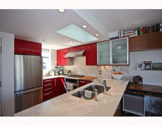 "Photo 6: 402 1630 W 1ST Avenue in Vancouver: False Creek Condo for sale in ""THE GALLERIA"" (Vancouver West)  : MLS®# V767465"