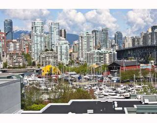 "Photo 9: 402 1630 W 1ST Avenue in Vancouver: False Creek Condo for sale in ""THE GALLERIA"" (Vancouver West)  : MLS®# V767465"