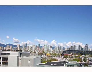 "Photo 2: 402 1630 W 1ST Avenue in Vancouver: False Creek Condo for sale in ""THE GALLERIA"" (Vancouver West)  : MLS®# V767465"