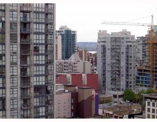 "Photo 4: 2010 1082 SEYMOUR Street in Vancouver: Downtown VW Condo for sale in ""FREESIA"" (Vancouver West)  : MLS®# V769547"