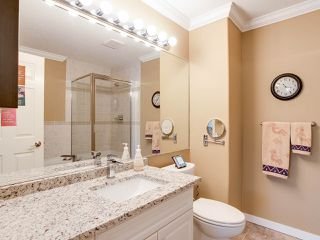 """Photo 12: 116 13888 70TH Avenue in Surrey: East Newton Townhouse for sale in """"Chelsea Gardens"""" : MLS®# R2400447"""