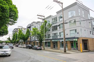 "Main Photo: 313 511 W 7TH Avenue in Vancouver: Fairview VW Condo for sale in ""Beverly Gardens"" (Vancouver West)  : MLS®# R2458298"