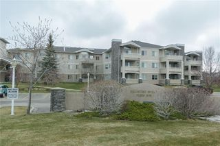 Photo 2: 107 20 COUNTRY HILLS View NW in Calgary: Country Hills Apartment for sale : MLS®# A1060110