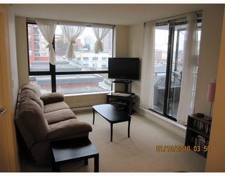 "Photo 3: 605 833 AGNES Street in New Westminster: Downtown NW Condo for sale in ""THE NEWS"" : MLS®# V803624"