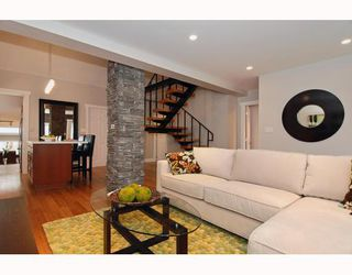 Photo 2: 152 W 23RD Street in North Vancouver: Central Lonsdale House for sale : MLS®# V807761