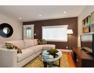 Photo 3: 152 W 23RD Street in North Vancouver: Central Lonsdale House for sale : MLS®# V807761