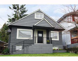 Photo 1: 152 W 23RD Street in North Vancouver: Central Lonsdale House for sale : MLS®# V807761