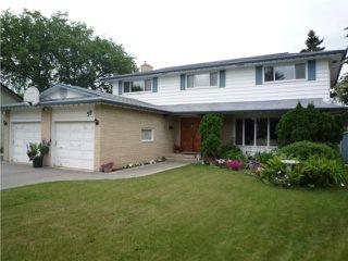 Photo 1: 39 BRIDGEWATER Crescent in WINNIPEG: North Kildonan Residential for sale (North East Winnipeg)  : MLS®# 1012021