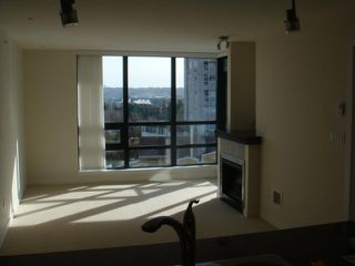 "Photo 7: 702 1 RENAISSANCE Square in New Westminster: Quay Condo for sale in ""THE Q"" : MLS®# V844964"