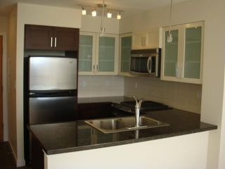 "Photo 2: 702 1 RENAISSANCE Square in New Westminster: Quay Condo for sale in ""THE Q"" : MLS®# V844964"