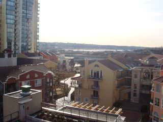 "Photo 8: 702 1 RENAISSANCE Square in New Westminster: Quay Condo for sale in ""THE Q"" : MLS®# V844964"