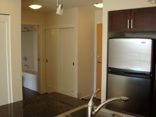 "Photo 4: 702 1 RENAISSANCE Square in New Westminster: Quay Condo for sale in ""THE Q"" : MLS®# V844964"