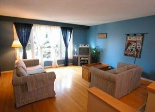 Photo 2: 44 Hamilton Hall Dr in MARKHAM: House (Sidesplit 3) for sale (N11: LOCUST HIL)  : MLS®# N970628