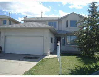 Photo 1: 59 APPLEWOOD Way SE in CALGARY: Applewood Residential Detached Single Family for sale (Calgary)  : MLS®# C3340355
