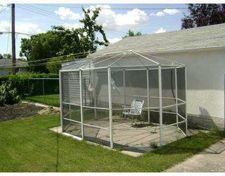 Photo 5: 326 DEVON Avenue in WINNIPEG: North Kildonan Residential for sale (North East Winnipeg)  : MLS®# 2815093