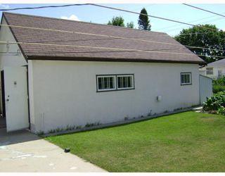 Photo 6: 326 DEVON Avenue in WINNIPEG: North Kildonan Residential for sale (North East Winnipeg)  : MLS®# 2815093